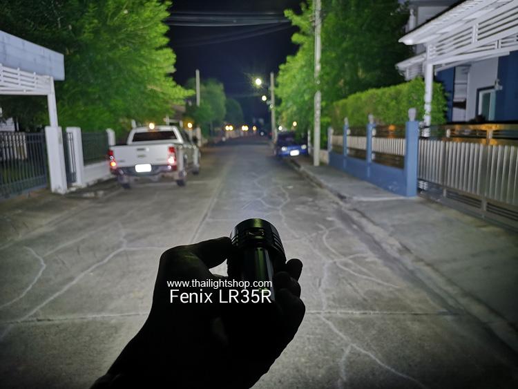 ไฟฉาย Fenix LR35R