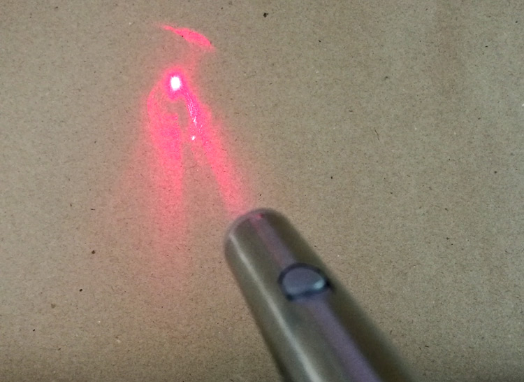 ไฟฉาย LED & Red Laser Pointer